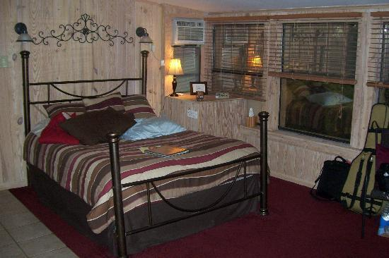 Bartee Meadow Bed and Breakfast : Our cottage