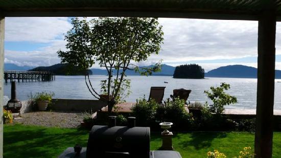 Alaska Beach Cabin-Boat House: Veranda und Ausblick