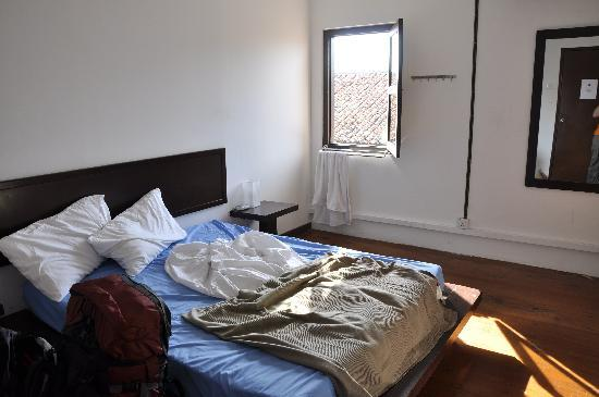 Number Twenty Guest House : spacious rooms, shared bathrooms
