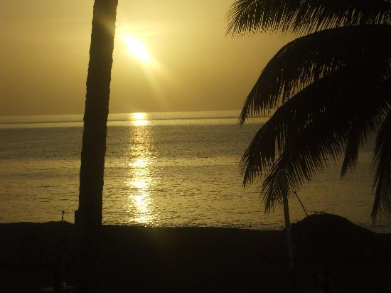 Turtle Beach by Rex Resorts: Lovely sunset 1