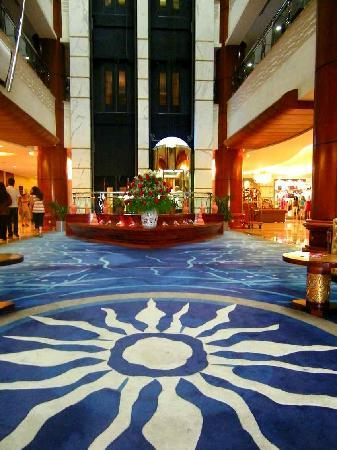 Grand Excelsior Hotel Bur Dubai: Dhow Palace Dubai reception area
