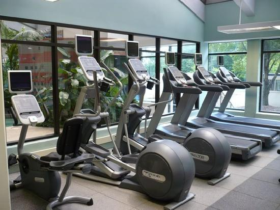 Embassy Suites by Hilton Richmond: Fitness Room