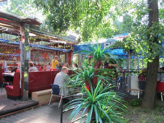 Starlite Diner : outside