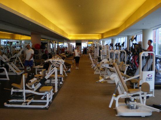 Four Seasons Hotel Miami: großzügiger Fitnessraum