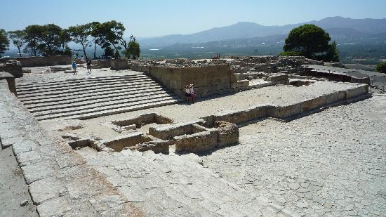 Phaistos (Phaestos): West Court and Theatre