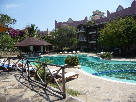 Aquarius Club International Resort: Piscina zona Condor House Lily Palm