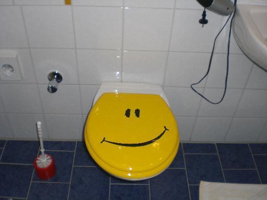 Smile Hotel: Origineller Klodeckel