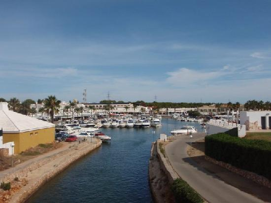 Valentin Star Hotel: View of the marina