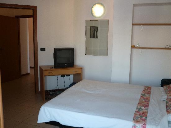 RESIDENCE VILLA AZZURRA - PRICES & Condominium REVIEWS (RIMINI ...