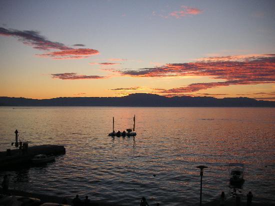 Njivice, Croácia: Sonnenuntergang - Blick vom Zimmer