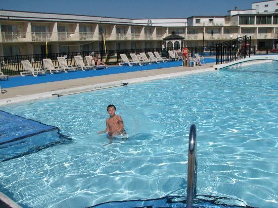 Lancaster Host Resort and Conference Center: Pool 1