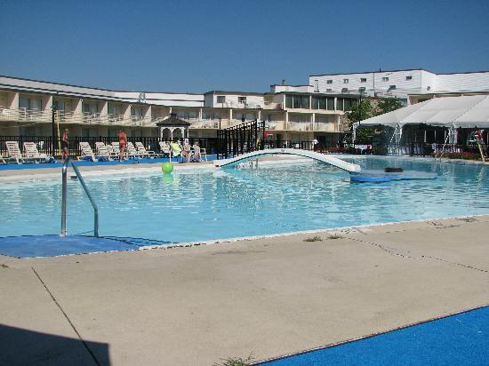 Lancaster Host Resort and Conference Center: Pool 2