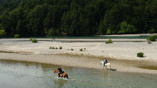 H2O Patagonia: Riding at H2O Patagonia