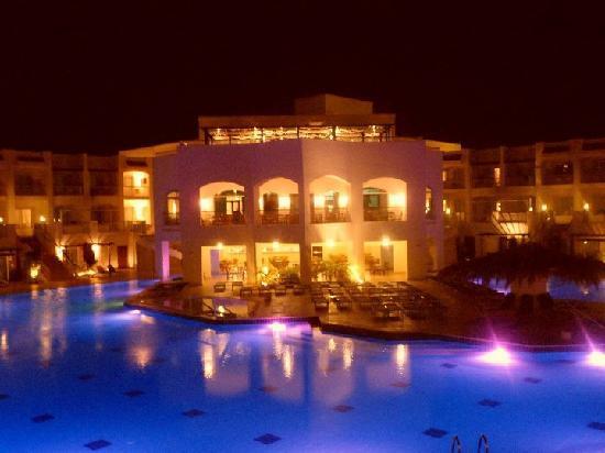 Jaz Sharks Bay: Pool in hotel