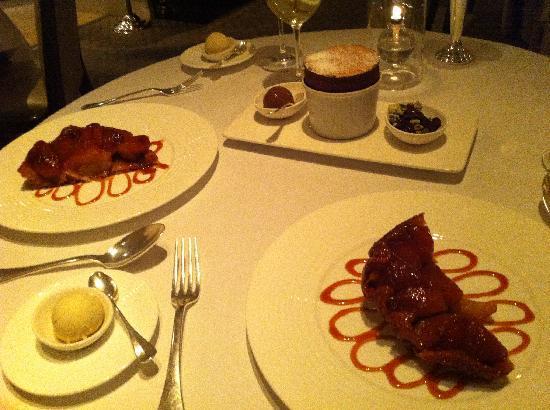 Restaurant Gordon Ramsay: Tarte Tatin - Pure heaven!