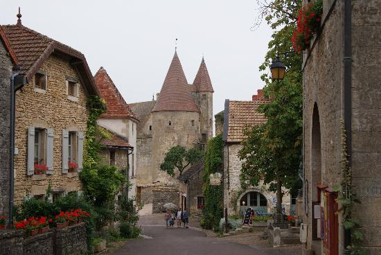 Dijon, Frankrijk: The old village we visited