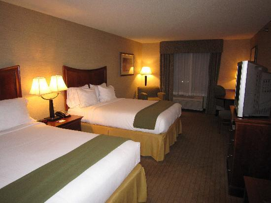 Holiday Inn Express Hotel & Suites Urbana-Champaign (U of I Area): Room 314