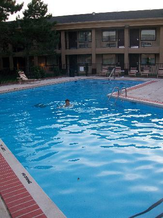 Red Roof Inn & Suites Oklahoma City Southwest: Swimmin Pool