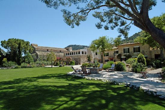 Finca Hotel Son Palou: Gardens
