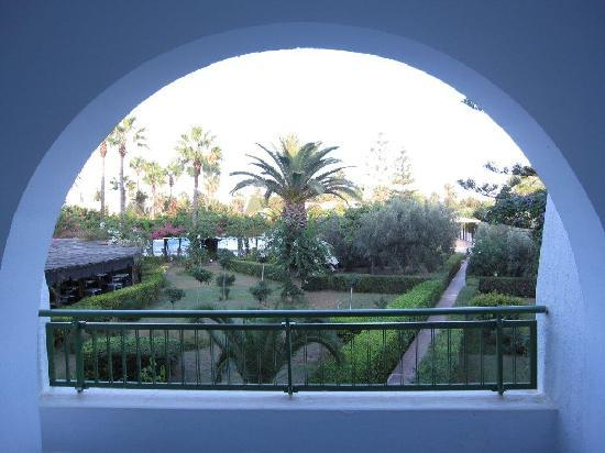 Hasdrubal Thalassa Hotel & Spa Port El Kantaoui: View from our room facing the garden and pool