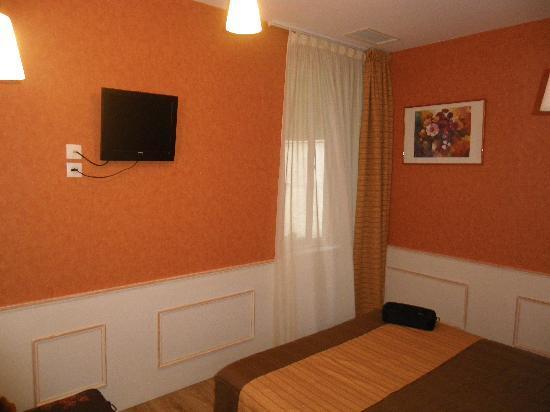 Hotel Restaurant Chaleat-Sapet : chambre