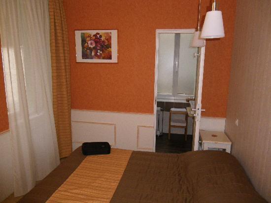 Hotel Restaurant Chaleat-Sapet : chambre suite