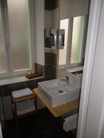 Hotel Restaurant Chaleat-Sapet : salle de bain
