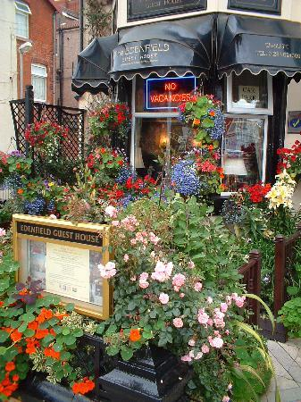 The Edenfield Guest House: Winners of Blackpool in Bloom 2010
