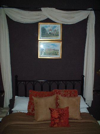 The Edenfield Guest House: Double en-suite room 2