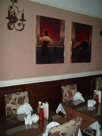 The Edenfield Guest House: Guests dinning area