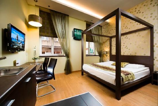 Opera Garden Hotel & Apartments: Superior room