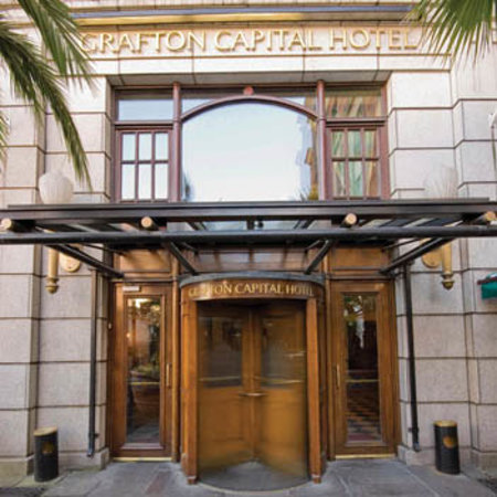 Grafton Capital Hotel: Main Entrance