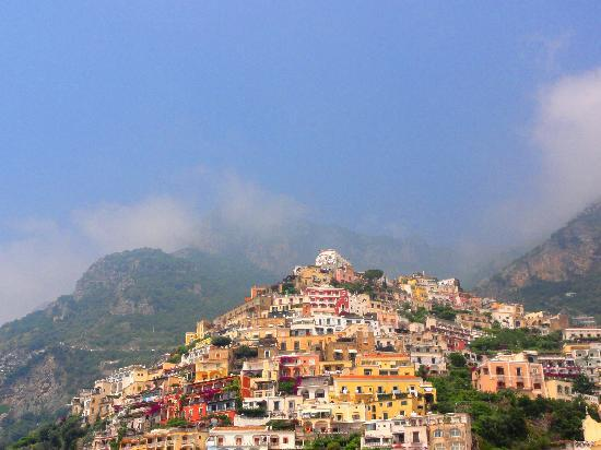 Playa Grande (Spiaggia Grande): View of the signature Positano cliffside while relaxing on the beach.