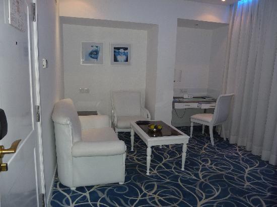 Radisson Blu Kochi : Suite Living Room