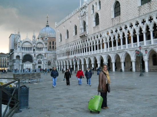 Hotel Bella Venezia: Llegando!!!