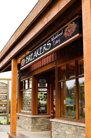 Breakers Deli: Front of the building