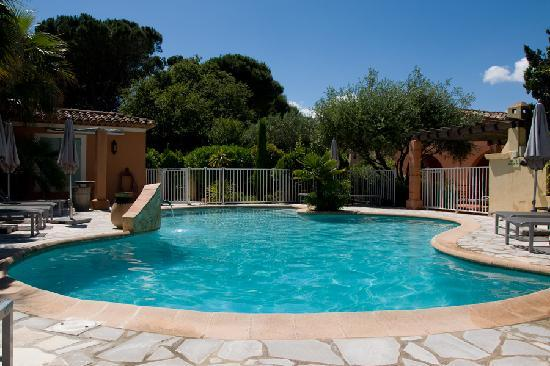 Hotel Le Mouillage : The pool
