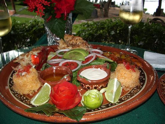 The Inn at Manzanillo Bay : anniversary dinner platter