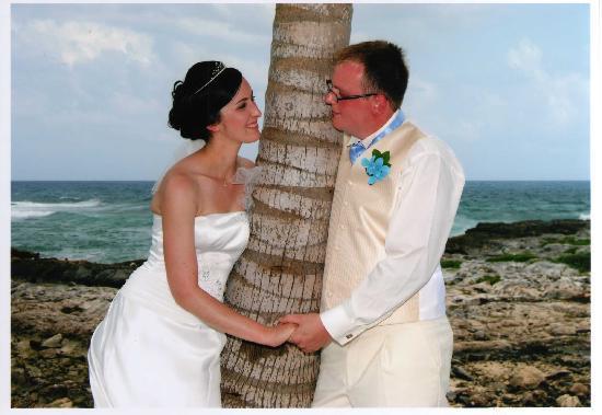 Grand Sirenis Riviera Maya Resort & Spa: Had to have a palm tree shot