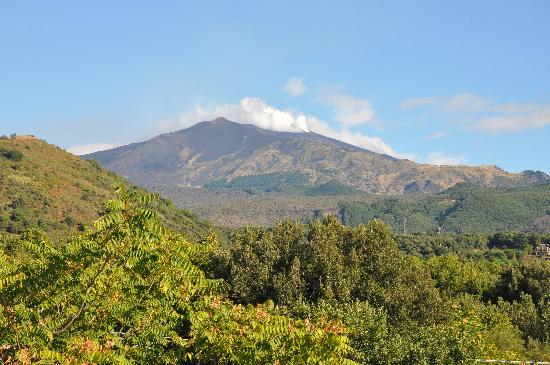Nicolosi, Italy: L'Etna dal B&B