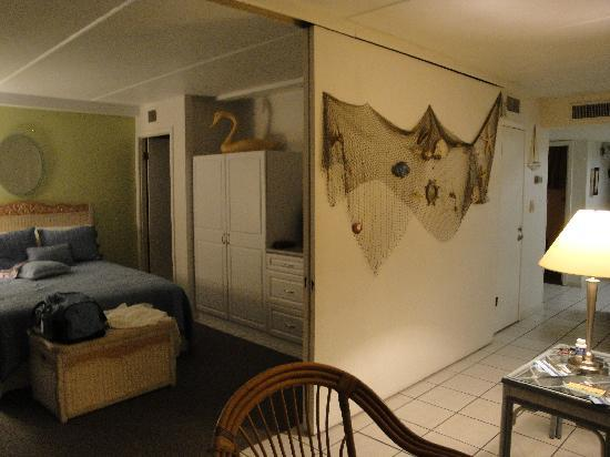 Gulf Shores Condominiums: Unit #205 Sliding wall separating beachside beds from living room
