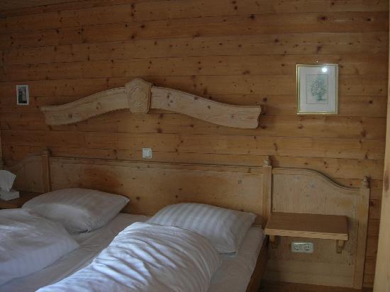 Oberaigen Gasthof: Mein wunderbares Bett!