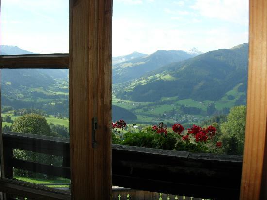 Oberaigen Gasthof: View from the bedroom door/window