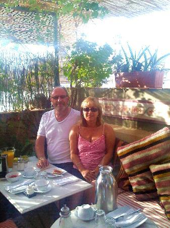 La Fonda Barranco: Breakfast on the roof terrace!