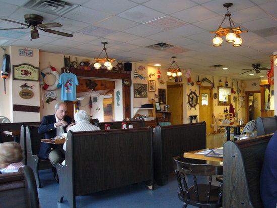 Fish Shack Restaurant : Lokal innen