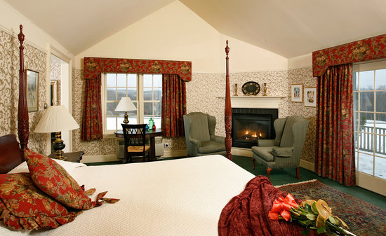 West Chesterfield, NH: Room 20 at Chesterfield Inn