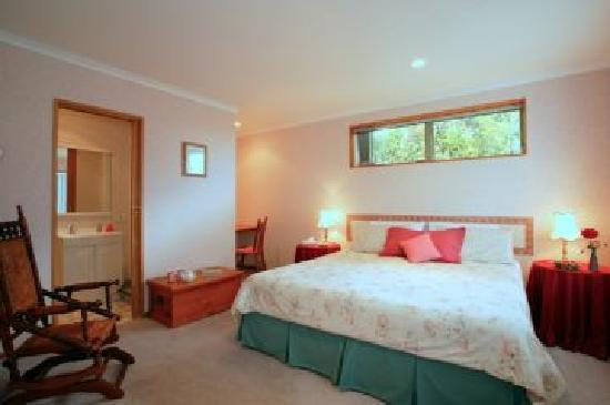 Idesia Bed & Breakfast: Rose Room - King/Twin with ensuite