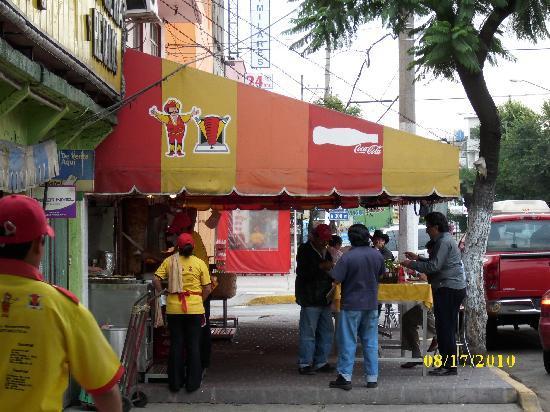 Taqueria El Pastorcito: Lorenzo Boturini street