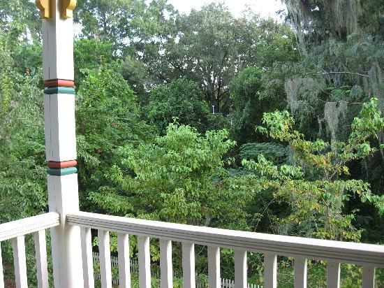 The Laurel Oak Inn: View from Lilac Room porch