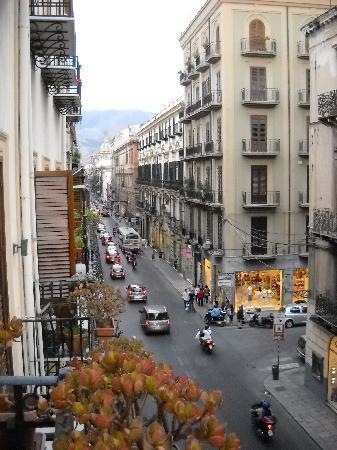 Hotel Verdi: View from balcony, left down Via Maqueda
